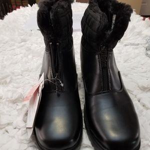 Totes Black Faux Fur Lined Boots.